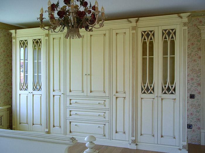 шкаф на балконе с рольставнями